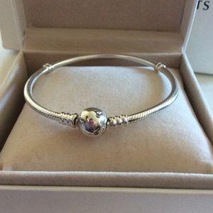 pandora disney parks exclusive wonderful world bracelet